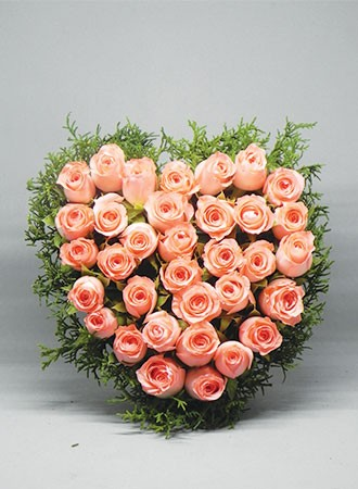 Heart Shaped rose bouquet (mini)