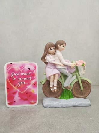 Couple on the Cycle